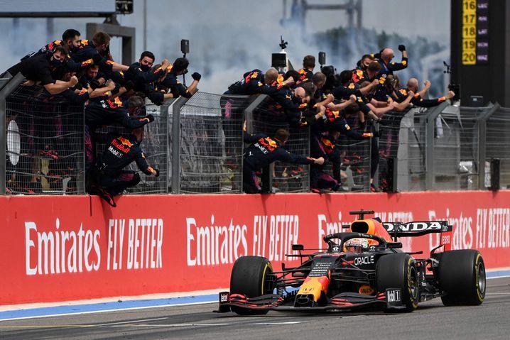 »Max, le Roi!«: Team Red Bull feiert Max Verstappen