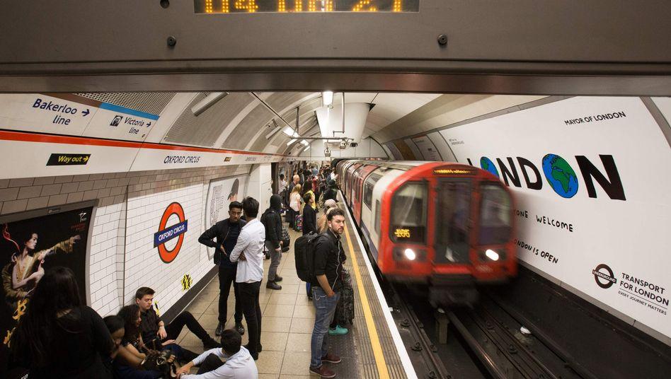 Londoner U-Bahn (Im Bild: die Central Line)