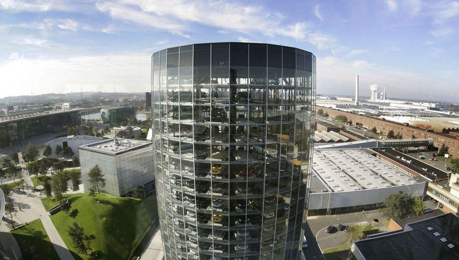 Autostadt in Wolfsburg: VW verkaufte im ersten Halbjahr 4,1 Millionen Fahrzeuge