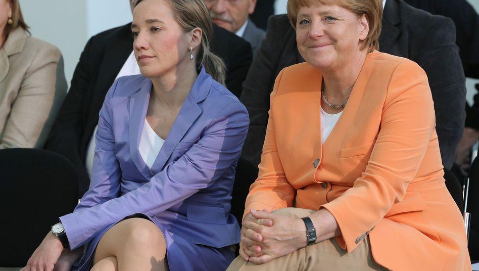 """Familienministerin Schröder, Kanzlerin Merkel: """"Besonders unwirksam"""""""
