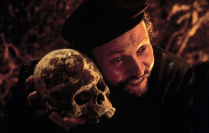 "Billy Crystal in Kenneth Branaghs ""Hamlet""-Verfilmung von 1997"