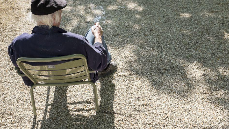 Raucher in Paris: Verbot gilt künftig in zehn Prozent der Pariser Grünflächen