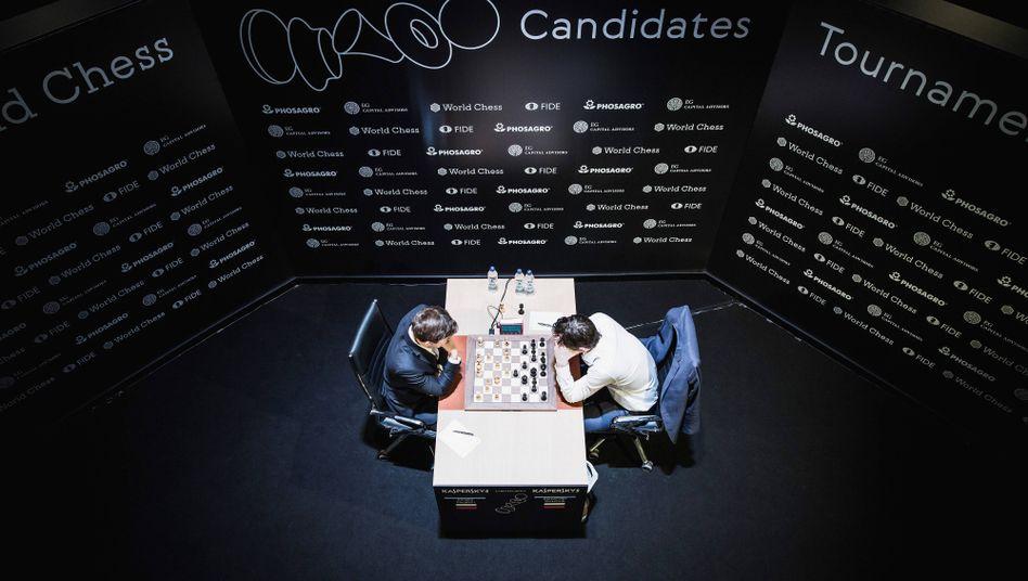 Schach-Duell beim Kandidatenturnier in Berlin
