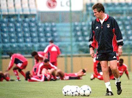 In Lissabon gab Heynckes nur ein einjähriges Gastspiel. Für Benfica war er in der Saison 1999/2000 verantwortlich.