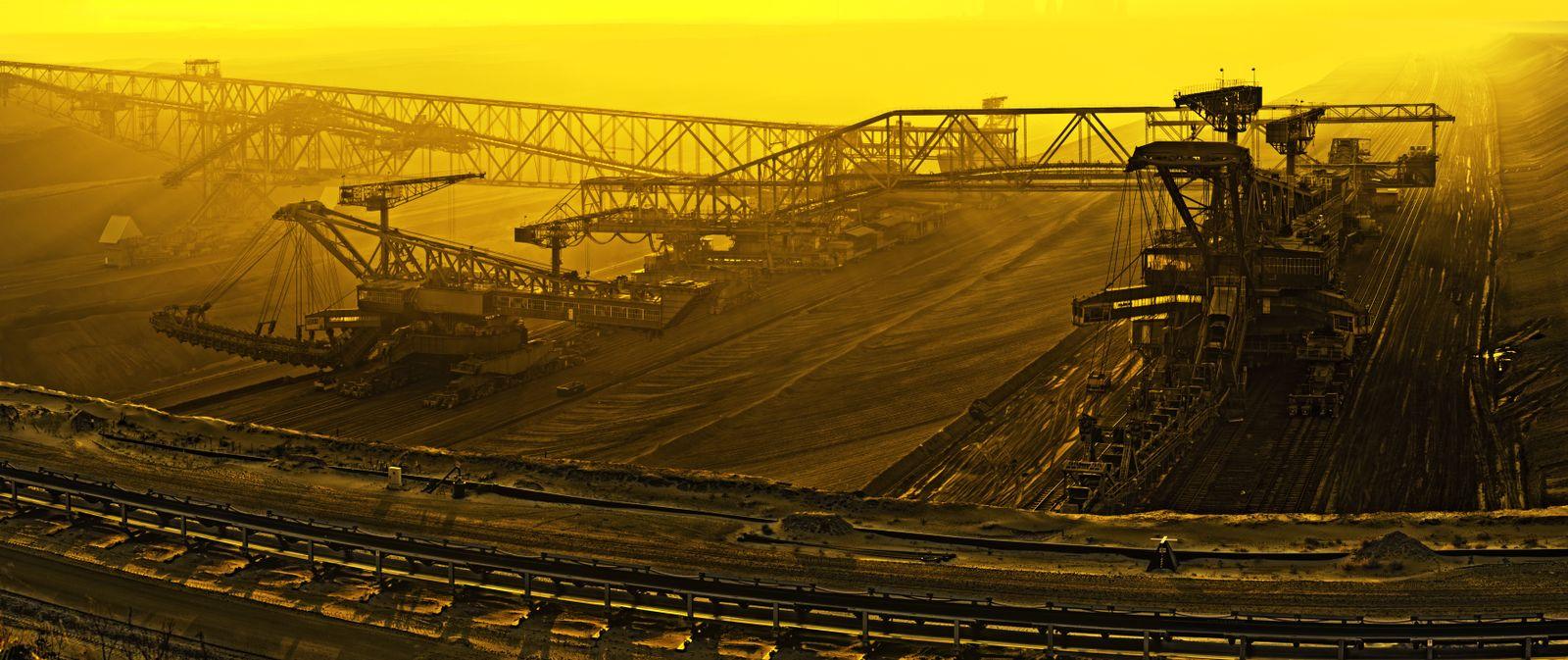 EINMALIGE VERWENDUNG Symbolbild Klima/ Klimaschutz/ Klimaerwärmung/ Kohlekraft/ Kohle/ Kohlekraftwerk