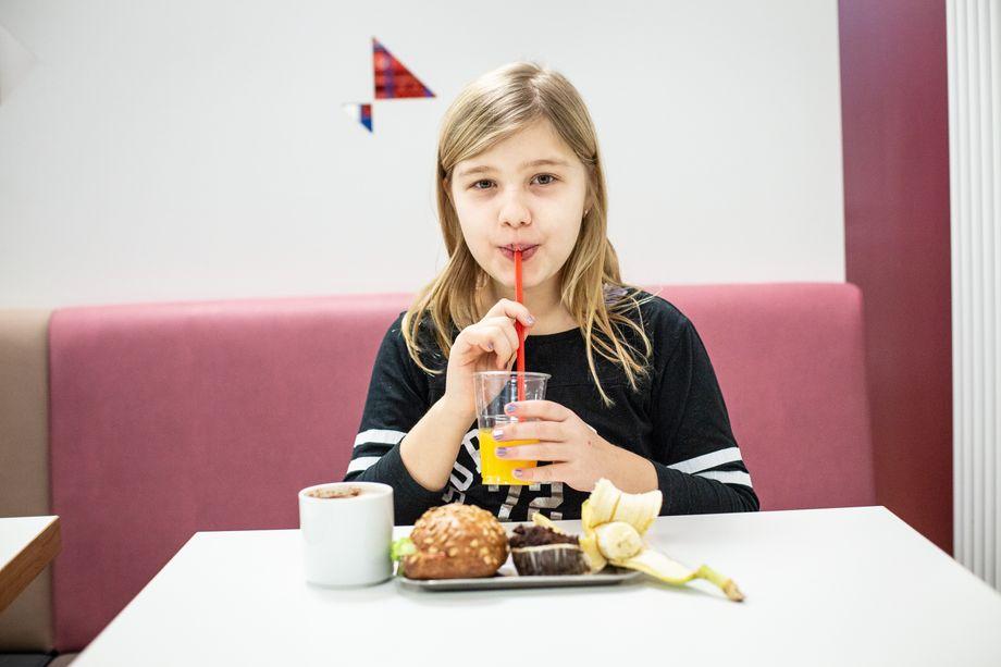 Früher war vieles tabu: Orangensaft, Kakao, belegte Semmel, Muffin, Banane. Heute darf Helen wieder essen, was ihr schmeckt.
