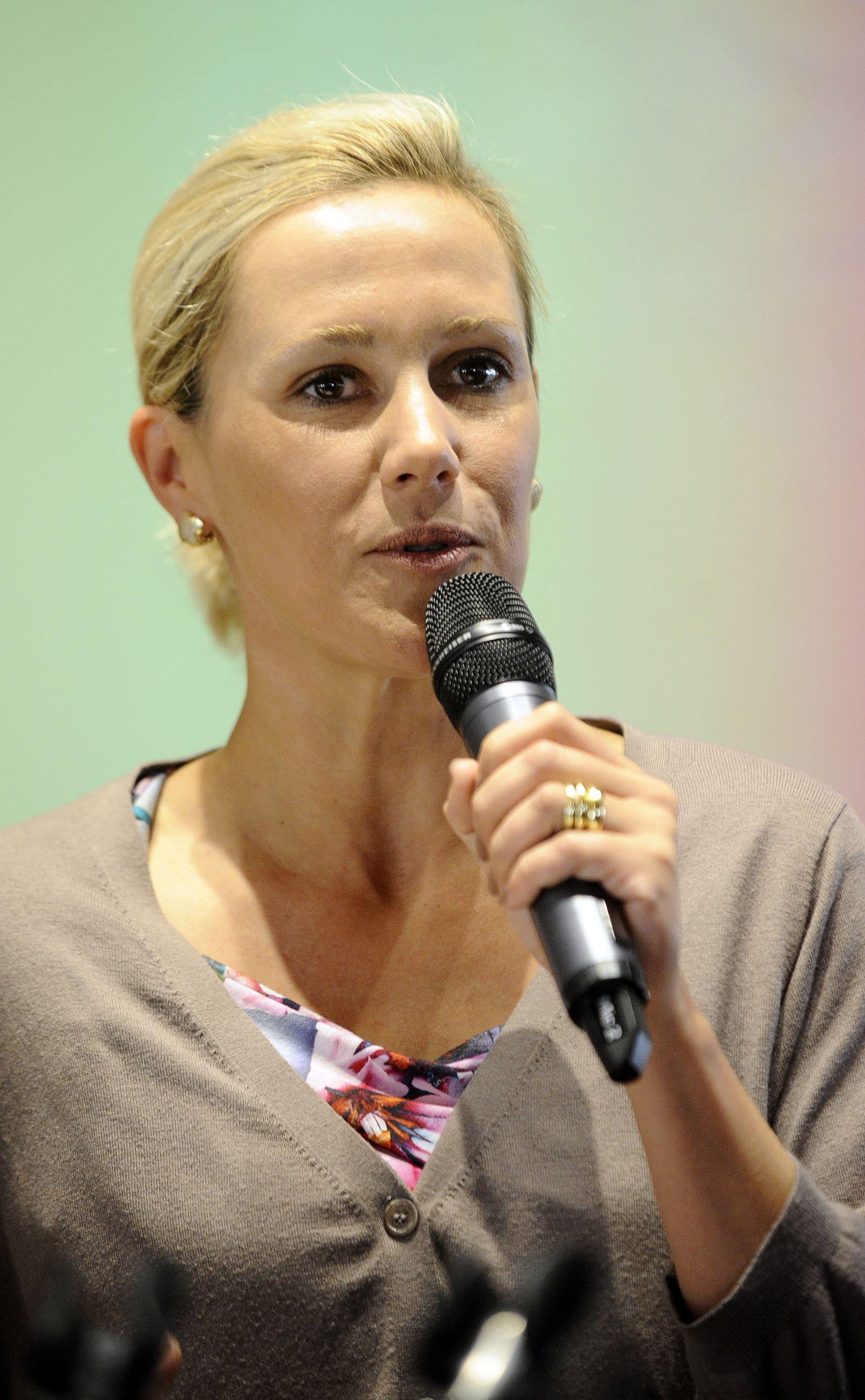 NICHT VERWENDEN Bettina Wulff