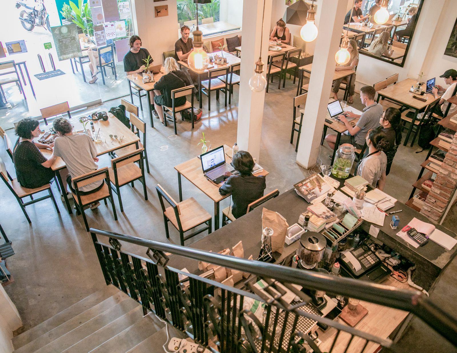 8_Gallery1 - Footprint Cafe Siem Reap