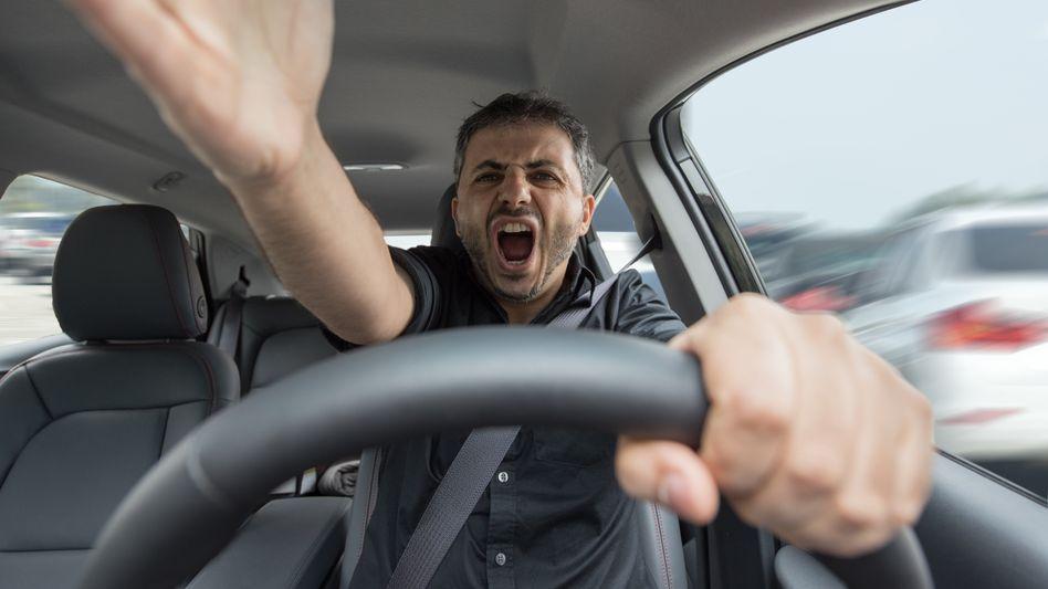 Na, wurden Sie heute schon angepöbelt? Nicht persönlich nehmen, rät der Verkehrspsychologe. Das System ist schuld.