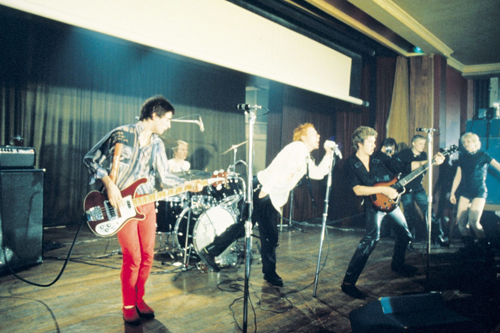 Pistols At Notre Dame Hall