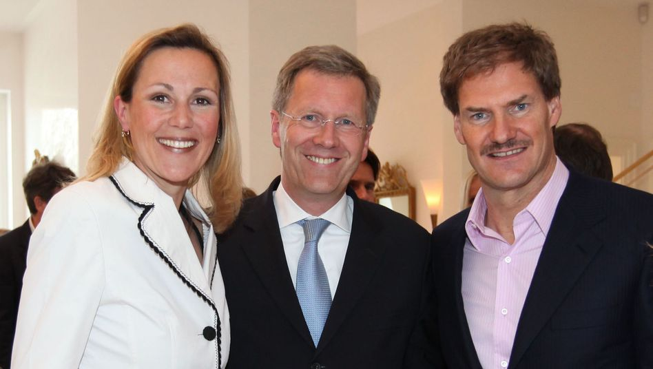 """Maschmeyer (rechts) mit Wulff und dessen Frau: """"Aus Beziehungen wurde Freundschaft"""""""