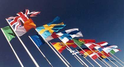 Flaggen von EU-Staaten: Europäer mögen ihre Staaten nicht besonders - mit Ausnahme der Österreicher
