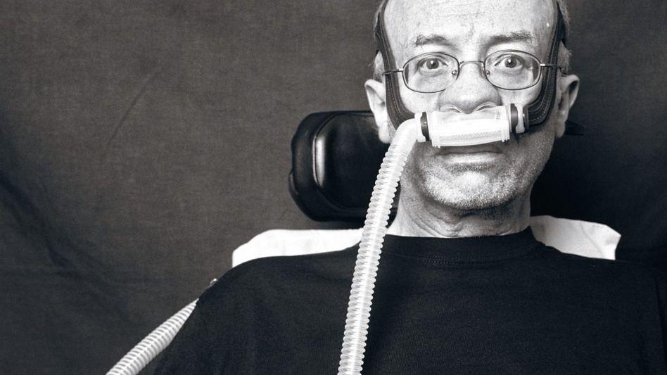 ALS-Patient Judt 2010: Eintritt in die Welt der Seifenblase, regiert von den Gesetzen der Krankheit und des Sterbens
