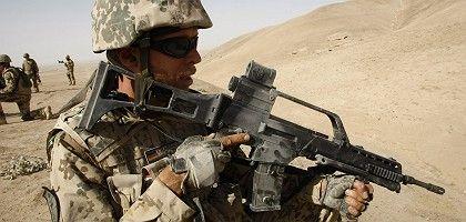 Deutscher Isaf-Soldat (in Nordafghanistan): Offensive gegen Taliban
