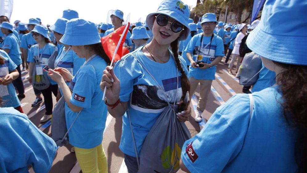 Betriebsausflug auf Chinesisch: Bitte eng zusammenbleiben