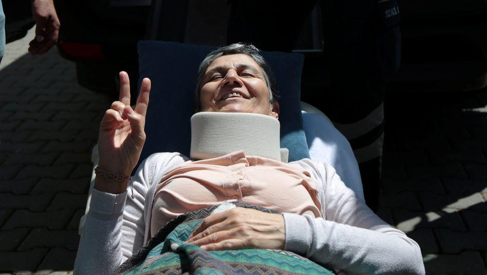 Leyla Güven nach ihrem Hungerstreik 2019