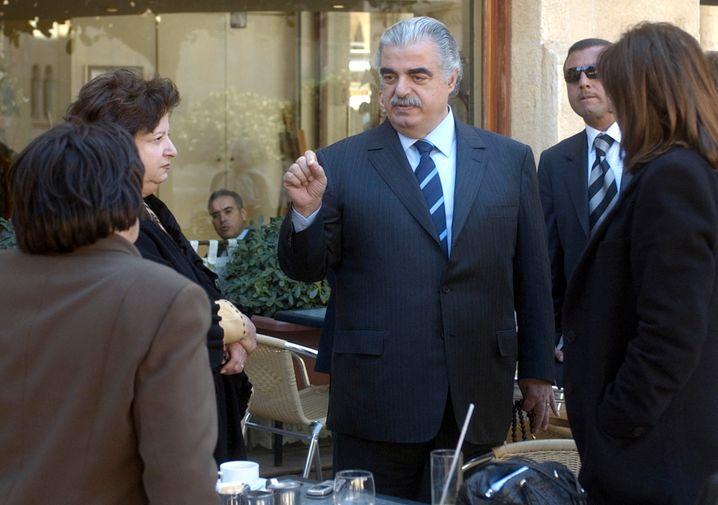Rafiq al-Hariri vor dem libanesischen Parlament am 14. Februar 2005, Minuten vor dem Attentat
