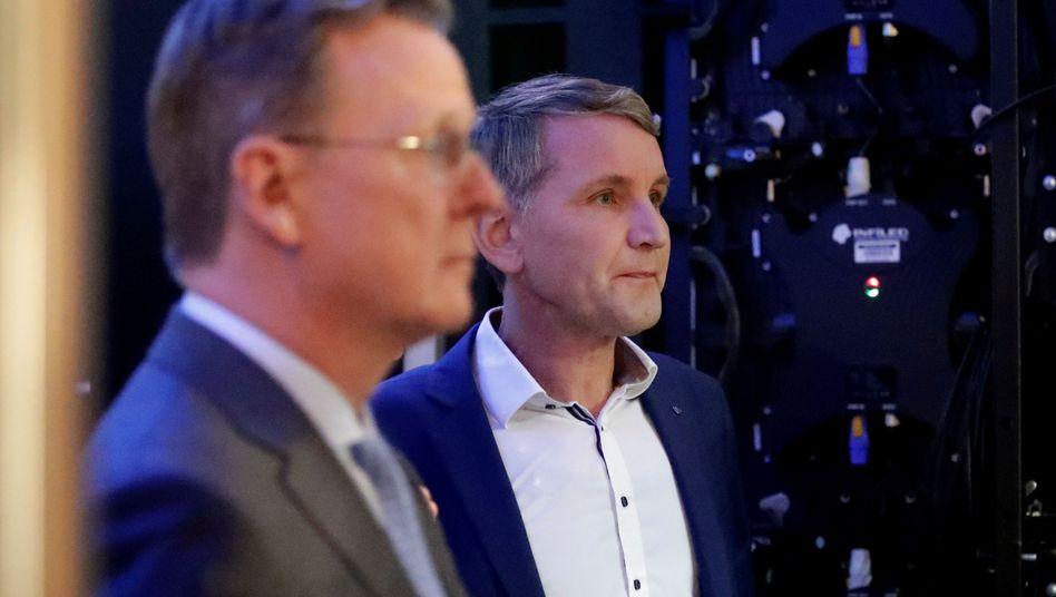 """Ministerpräsident Bodo Ramelow (vorne), AfD-Fraktionschef Björn Höcke: """"Brauchen einen Gegenkandidaten"""""""