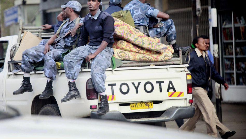 Polizisten in Addis Abeba (Archiv): Bericht über Misshandlungen