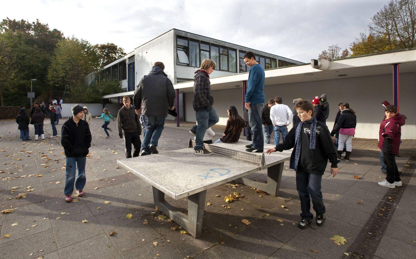 EINMALIGE VERWENDUNG Schule Schlhof / Herbst