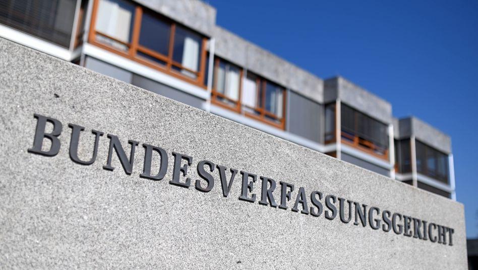 Bundesverfassungsgericht in Karlsruhe: Bundespräsident kann Gesetz zum EU-Aufbaufonds nun unterschreiben