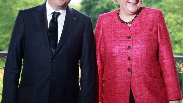 Merkel und Hollande: Harmonie-Show in Paris