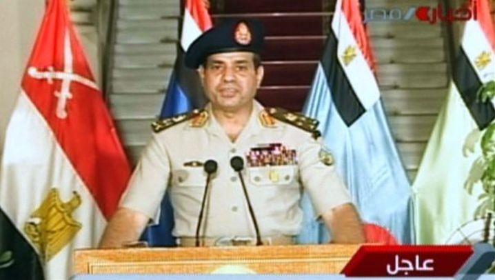 Militärputsch in Ägypten: Panzer und Soldaten auf den Straßen