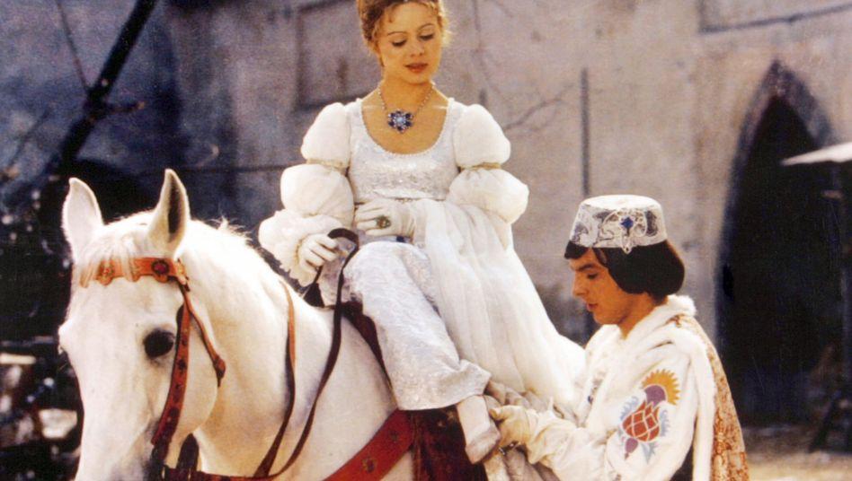 Aschenbrödel (Libuse Safránková) und der Prinz (Pavel Trávnicek)