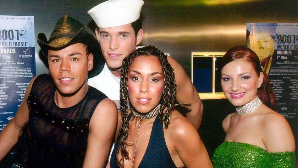 """Die Vengaboys: Vor mehr als 20 Jahren schufen sie mit """"We're Going to Ibiza"""" eine Eurodancehymne, das Foto stammt von 2001"""