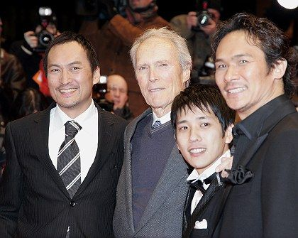 "Ken Watanabe, Kazunari Ninomiya und Tsuyoshi Ihara (from left) pose with ""Letters From Iwo Jima"" director Clint Eastwood Sunday in Berlin at the film's German premiere."