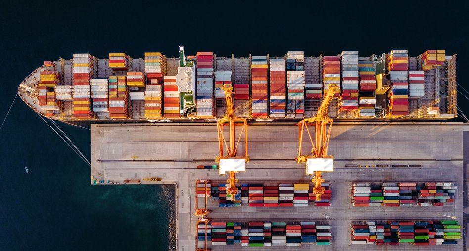 Containerschiff im Hafen von Rijeka (Kroatien), August 2019