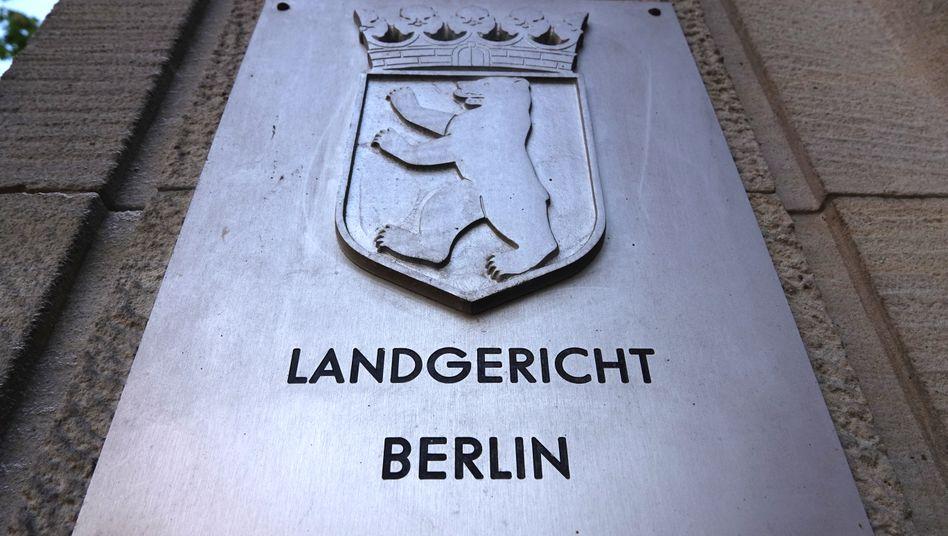 Landgericht Berlin: Kurierdienste für die Gefangenen