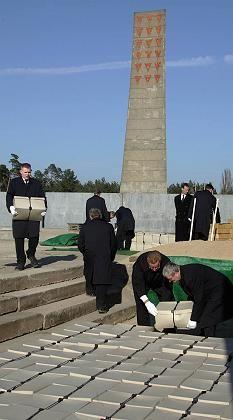 Ehemaliges KZ Sachsenhausen: Über 150 Kisten mit Asche wurden beigesetzt