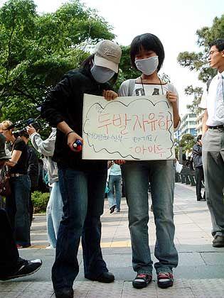 Vermummter Protest: Die Schüler wollen nicht erkannt werden