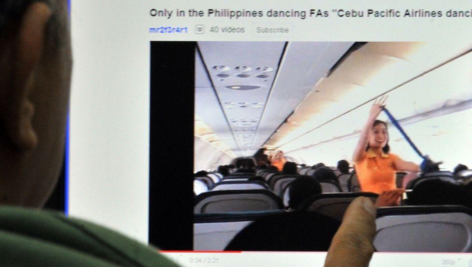 Tanz der Stewardessen: Die Show wurde bei YouTube über sieben Millionen Mal angeklickt