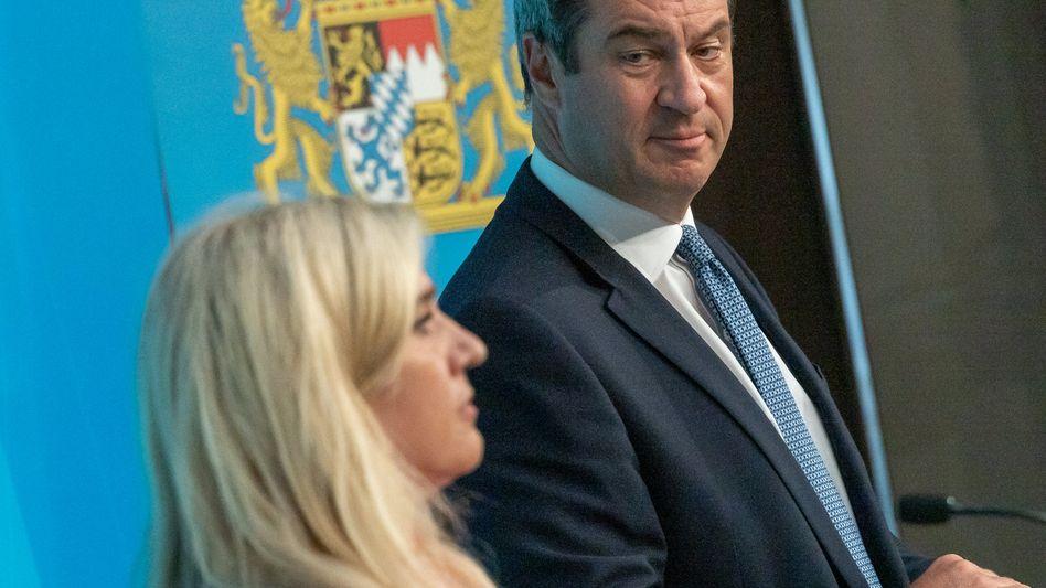 """Melanie Huml und Markus Söder (CSU): """"Da ist eine Panne passiert, und zwar eine große Panne"""""""