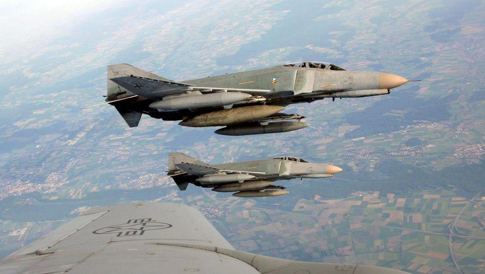 Phantom-Jets der Bundeswehr: Karlsruhe erlaubt Waffeneinsatz im Inland