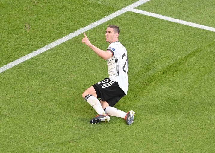 Robin Gosens feiert seinen ersten Länderspieltreffer
