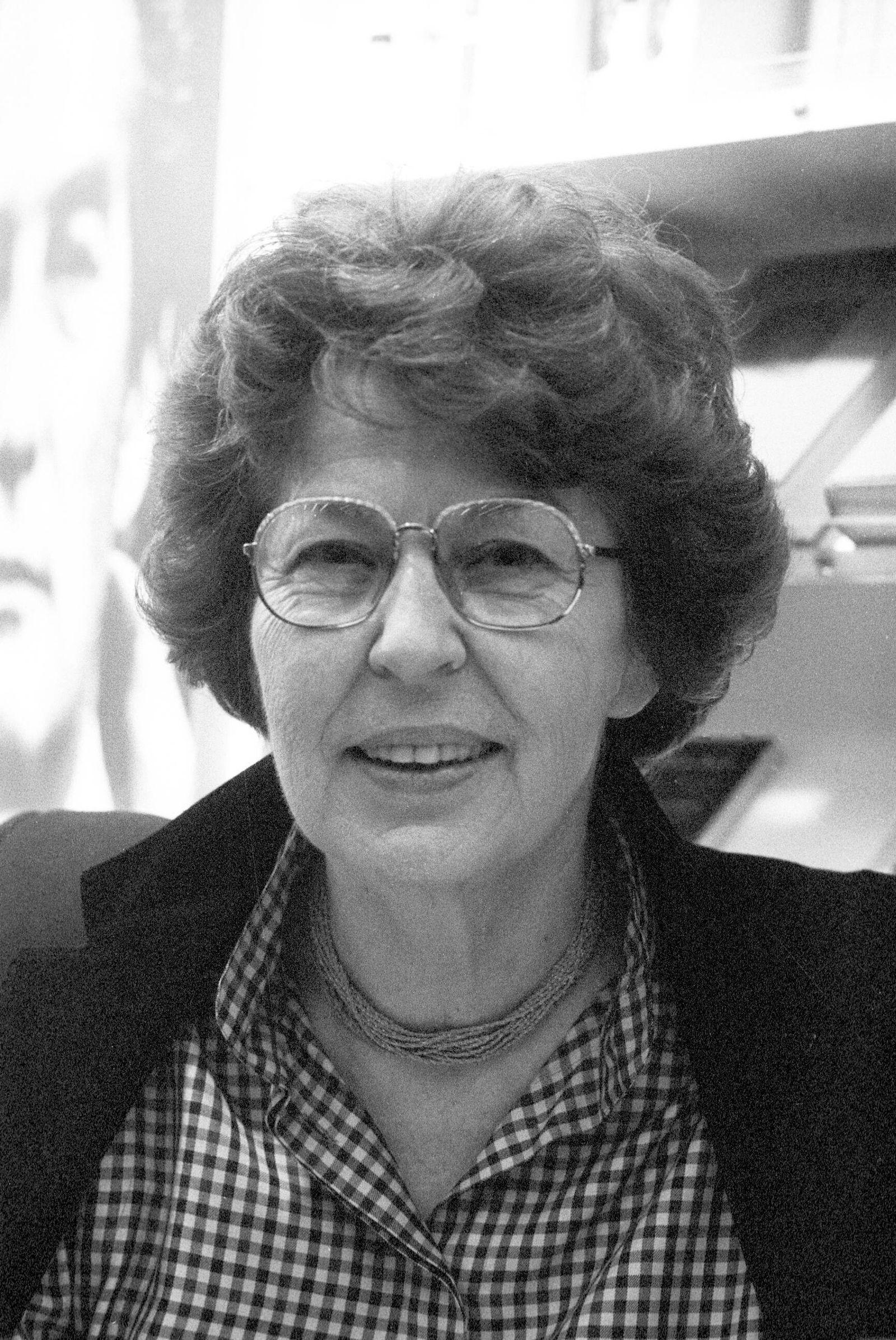 EINMALIGE VERWENDUNG Elisabeth Borchers