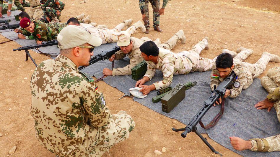 Bundeswehrsoldat weist Peschmerga ein: Viele Nationen unterstützen die Ausbildungsmission