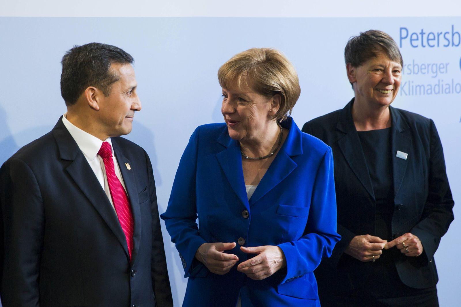 Merkel, Humala