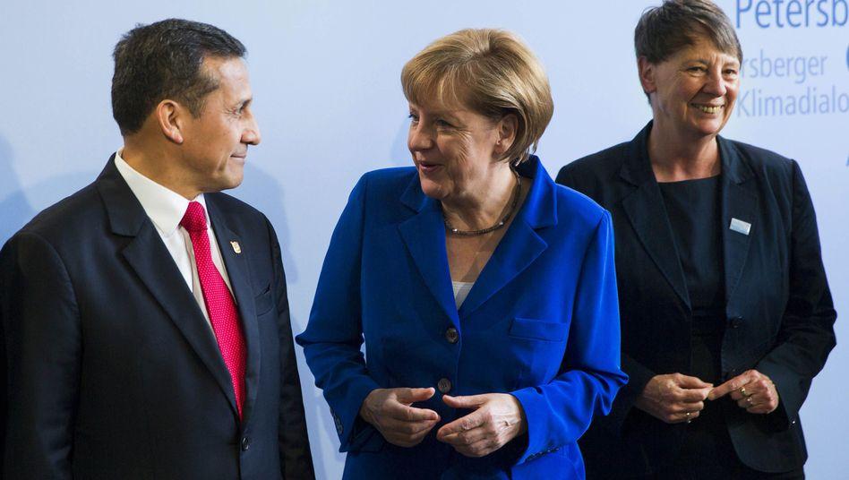 Merkel mit Perus Präsident Ollanta Humala in Berlin: Engere Zusammenarbeit