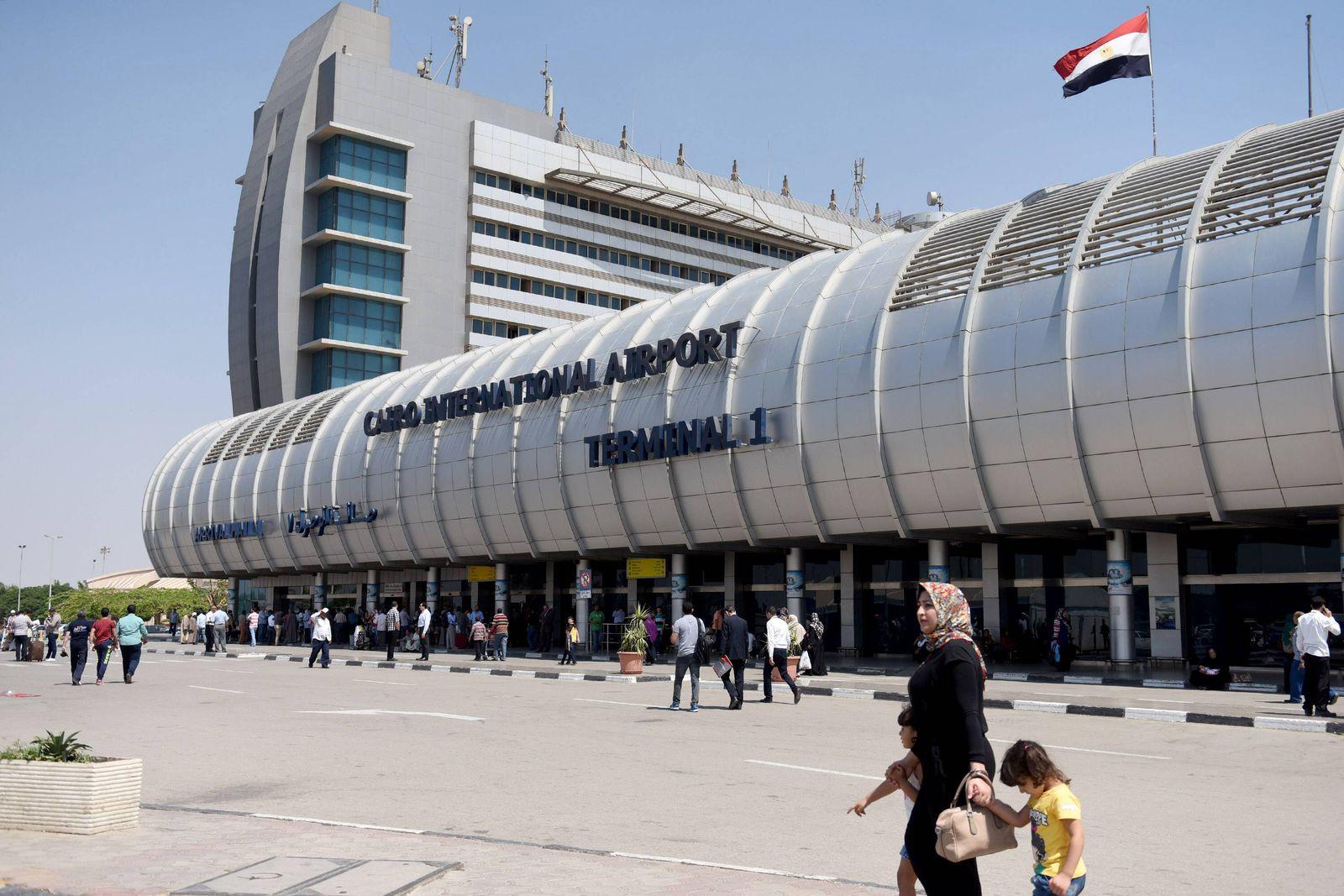 EINMALIGE VERWENDUNG Flughafen Kairo
