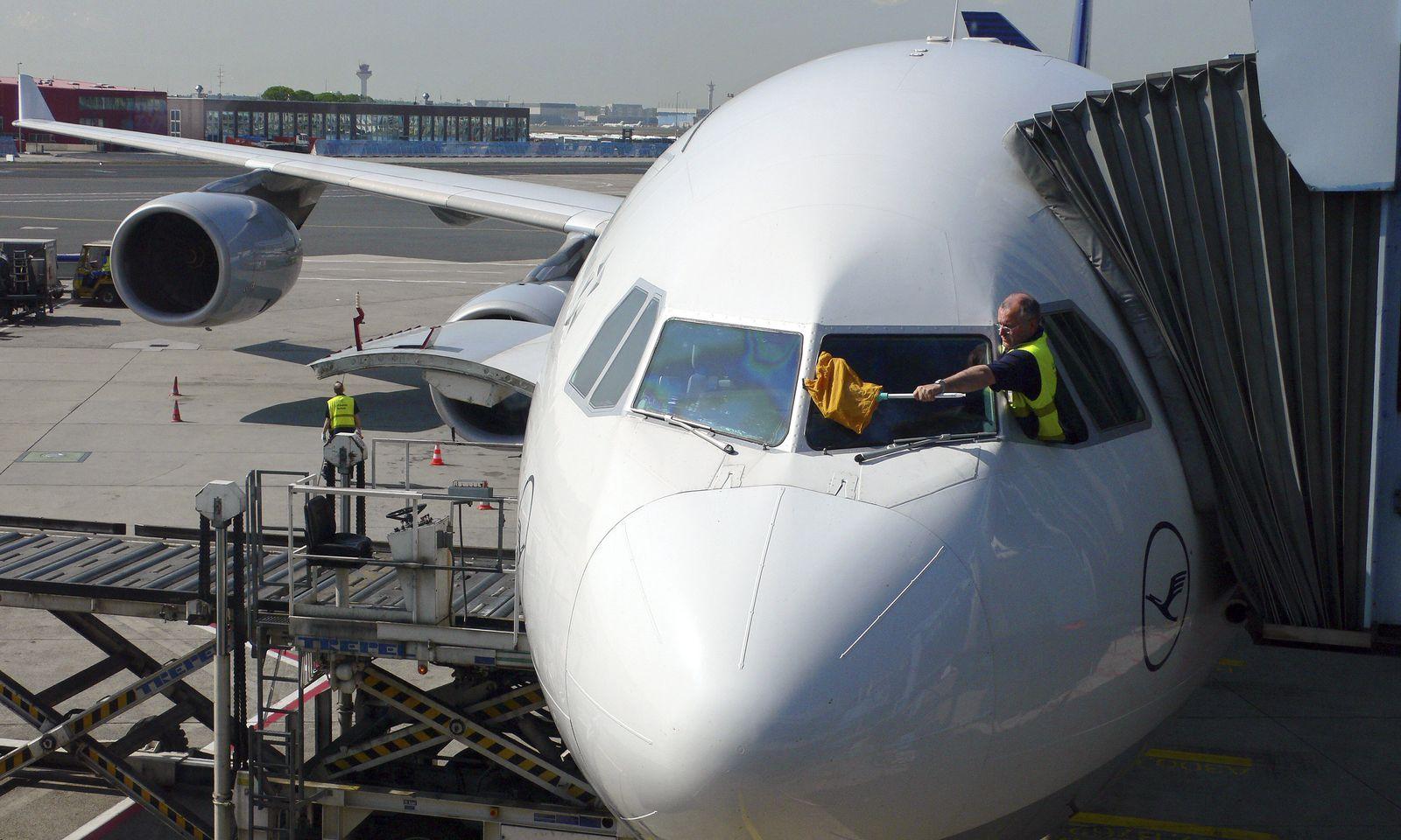 Flugzeugreiningung/ Frankfurt/ Flughafen