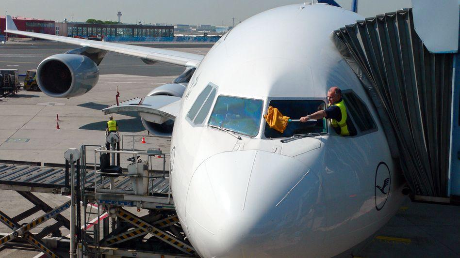 Am Flughafen Frankfurt soll die Flugzeugreinigung bestreikt werden (Bild von 2007)