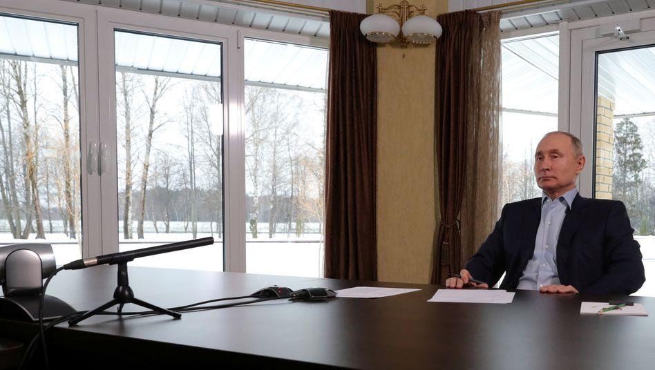 Wladimir Putin während einer Onlinekonferenz mit Studierenden: Versuch einer Antwort