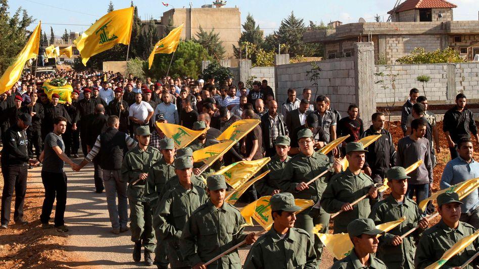 Hisbollah-Aufmarsch im Libanon: Brüssel reagiert auf Anschlag in Bulgarien
