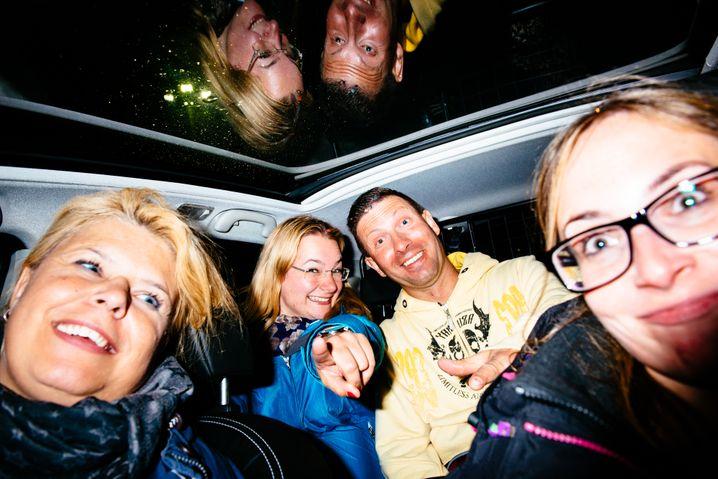 Helene-Gruppe im Auto: Liebe für alle