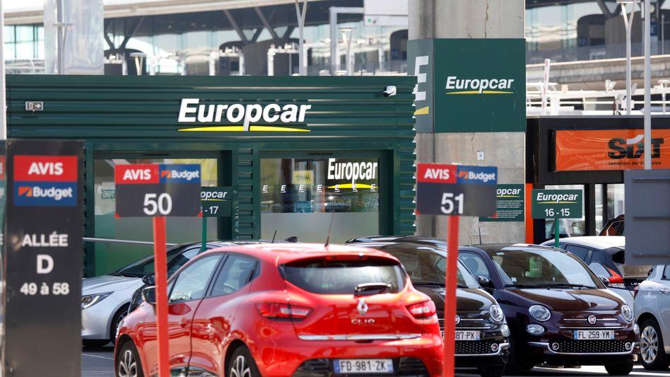 Europcar-Logo am Pariser Flughafen Charles de Gaulle