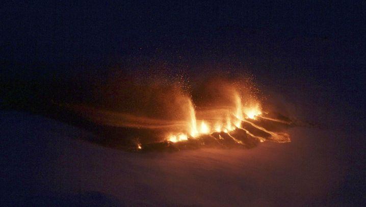 Island: Vulkanausbruch am Gletscher